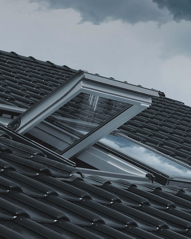 Fibaro-Door-Window-Sensor-2-roof-window