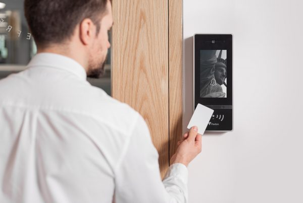 Net2-Entry-Touch-on-wall-with-token-7951-