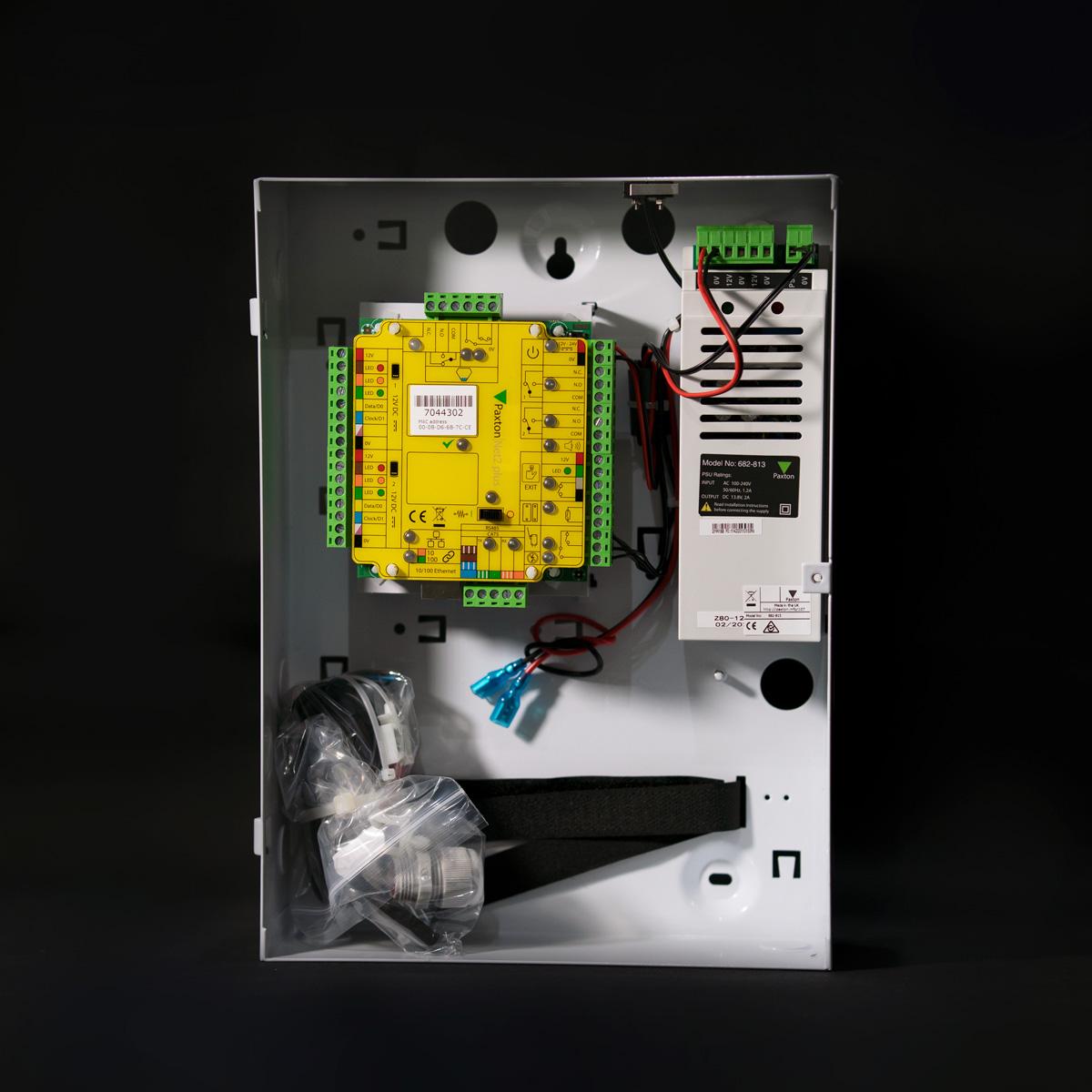 Paxton-Net2-plus-1-door-controller-–-12V-2A-PSU-Metal-cabinet-682-813-EX