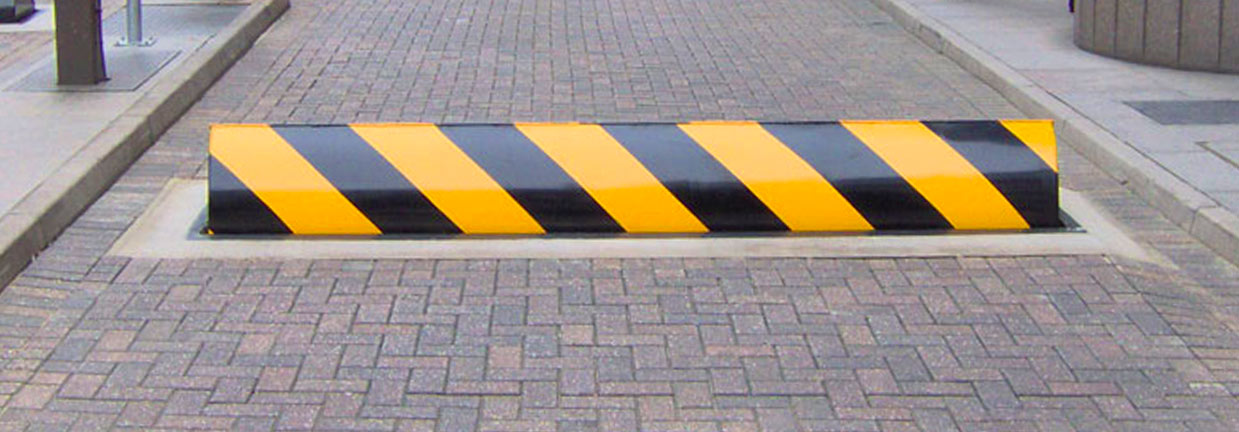 arma-kontrol-hydraulic-road-blocker-1